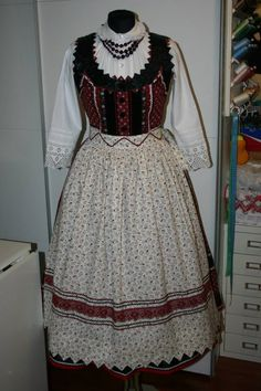 Folk cotume from Mezőség Folk Clothing, Hungarian Embroidery, Folk Dance, Folk Costume, Just Dance, Embroidery Patterns, Beautiful Outfits, Traditional, Clothes