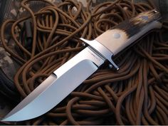 Romano facas...