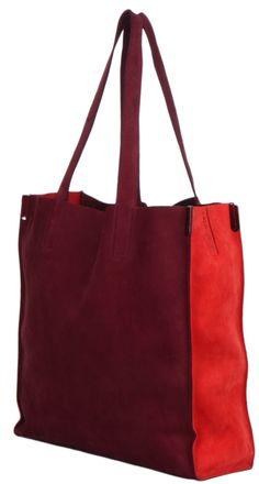 design: Cala & Jade  type: Ciel  farge: bordeaux , pommegranade  materiale: nubuck kuskinn, vannavstøtende  mål: 38 x 38 d 12cm