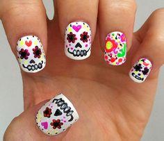 Pick your favorite nail art design and impress your friends this coming Halloween! Sugar Skull Nails, Skull Nail Art, Nail Art Diy, Halloween Nail Designs, Halloween Nail Art, Fancy Nails, Love Nails, Color Change Nail Polish, Seasonal Nails