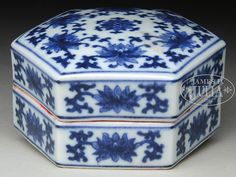 Blue and White Octagonal Ink Box with Cover. Qing Dynasty period, China. The cover and body painted with flowers and branches design, shaped in domed octagonal form, bottom with six character QIANLONG mark. SIZE: H: 1-7/8 in (4.7 cm) W: 3-1/4 in (8.2 cm).