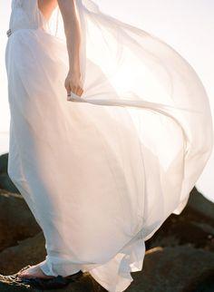 irresistiblecatch: everlytrue: [by Jose Villa] Blustery.