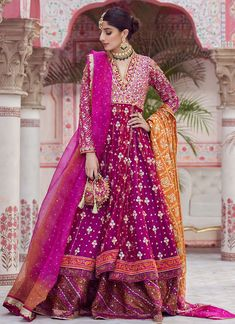 Weddings are the much-awaited events in Pakistan. Look stylish and beautiful this wedding season with the help of Farah Talib Aziz exquisite and elegant wedding wear Collection. Pakistani Dresses Casual, Pakistani Wedding Outfits, Pakistani Dress Design, Indian Dresses, Indian Outfits, Pakistani Mehndi, Bridal Mehndi Dresses, Mehendi Outfits, Bridal Dress Design