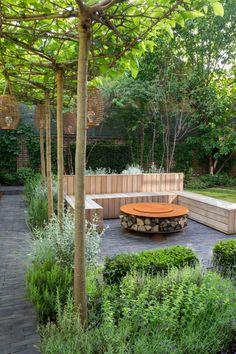 Dutch Gardens, Back Gardens, Small Gardens, Courtyard Gardens, Prairie Garden, Fireplace Garden, Tiered Garden, Garden Yard Ideas, Forest Garden