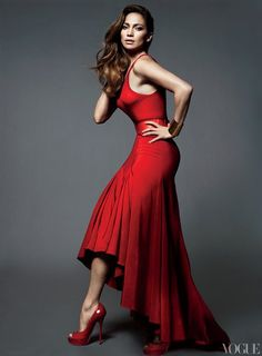 Love this gorgeous red dress Jennifer Lopez is wearing.