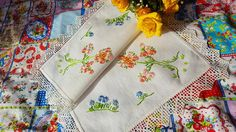 Gogeous Vintage Embroidered Flowers Linen by TheVintageLinenChest