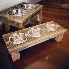 Diy dog food station puppys 18 New ideas Recycled Pallets, Wooden Pallets, Wooden Trays, Pallet Wood, Pallet Crafts, Pallet Projects, Dog Food Stands, Dog Food Bowl Stand, Palette Deco