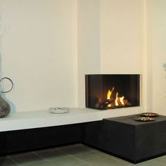 Inserts à gaz, inserts design simple ou double face - Seguin Duteriez Corner Gas Fireplace, Metal Fireplace, Family Room Fireplace, Home Fireplace, Modern Fireplace, Fireplaces, Open Plan Kitchen Living Room, Home Living Room, Living Room Decor