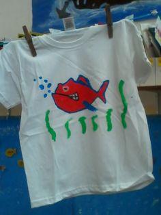 518faceb376 19 05 2014 magliette dipinte a scuola per la festa di fine anno