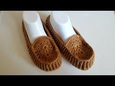 Motifli Babet Yapimi - YouTube Crochet Boots, Crochet Slippers, Love Crochet, Learn To Crochet, Easy Crochet, Knitting Videos, Crochet Videos, Crochet Stitches Patterns, Knitting Patterns