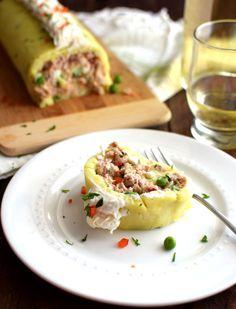 Rollo de papa relleno con atún Empanadas, Tacos, Cheesecake, Food And Drink, Mexican, Relleno, Ethnic Recipes, Salads, Gastronomia