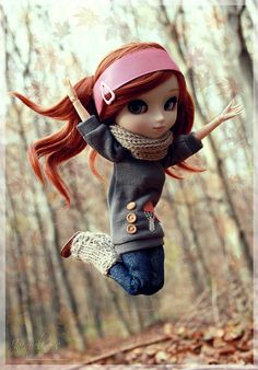 Great pic! How to Have Fun With Autumn Leaves?… (by ♡ J a c k y)  #doll #pullip #autumn