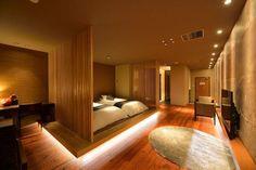 Modern Japanese Interior, Japanese Interior Design, Japanese Home Decor, Bedroom Loft, Home Bedroom, Japanese Bedroom, Hotel Interiors, Modern Room, Luxury Living