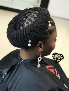The ancient Indians would wear Dreadlocks Hairstyles signifying that they have fear or respect for g Short Locs Hairstyles, New Natural Hairstyles, Crown Hairstyles, Black Women Hairstyles, Short Dreads, Wedding Hairstyles, Updo Styles, Curly Hair Styles, Natural Hair Styles