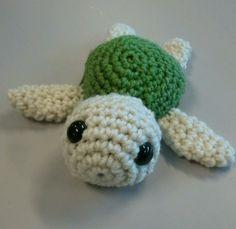 smigurumi häkeln schildkröte grün weiß kombination