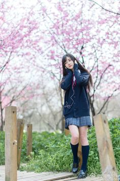 Cute School Uniforms, School Uniform Girls, Girls Uniforms, Sweet Girls, Cute Girls, Geisha, Japan Fashion, Girl Fashion, Japanese School Uniform