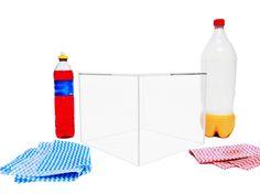 Limpeza do Acrílico  Devido a superfície do acrilico ser lisa e não aderente sua limpeza se torna de fácil manuseio.Utilize um pouco de sabão neutro como detergente dissolvido em água, esfregando com pano fino e limpo. Após utilizar sabão ou detergente, enxágüe com água, seque suavemente utilizando um pano fino, seco e limpo.