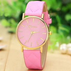 Materials: PU Leather + Alloy  Case Size: 37mm x 37mm  Case Thickness: 7mm  Band Width: 18mm  Band Length: 22.5cm Accessories Watches