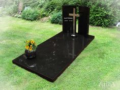 Tombstone Designs, Centre Pieces, Big Bang Theory, Cemetery, Funeral, Arquitetura, Souvenirs, Trendy Tree, Mom