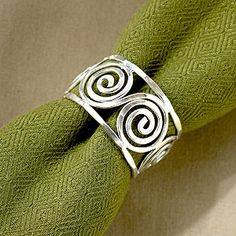 Silver swirl napkin rings-- could I make these using wire wrapping techniques?