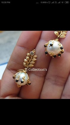Antique Jewellery Designs, Gold Ring Designs, Gold Bangles Design, Fancy Jewellery, Gold Jewellery Design, Bead Jewellery, Beaded Jewelry, Gold Earrings Models, Jewelry Design Earrings