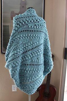 Crochet Cardigan Ravelry: Project Gallery for Inmost Cardigan pattern by Linda Skuya - Wrap yourself in this cozy goodness! Crochet Cardigan Pattern, Crochet Jacket, Crochet Shawl, Crochet Granny, Crochet Cocoon, Crochet Diy, Lace Knitting, Knitting Patterns, Crochet Patterns