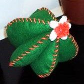 Plant Leaves, Cactus, Christmas Ornaments, Holiday Decor, Plants, Felt Fabric, Projects, Christmas Jewelry, Plant