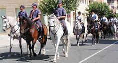 La policía, también en estos días a caballo