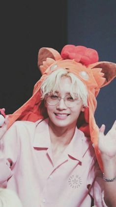 jeonghan is so precious 😭💖 Woozi, Wonwoo, The8, Seungkwan, Kpop, Vernon Chwe, Oppa Gangnam Style, Hip Hop, Vernon Hansol