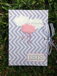 Caderno de mensagens em scrapbook com encadernação copta/francesa (visão geral da decoração)