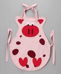 Pig apron for Jenny! Sewing Aprons, Sewing Clothes, Sewing Projects For Kids, Sewing For Kids, Fabric Crafts, Sewing Crafts, Childrens Aprons, Cute Aprons, This Little Piggy
