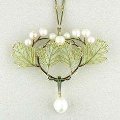 Like spring, so fresh !  Rene Lalique Jewellery Art Nouveau pendant
