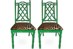 High gloss green with cheetah seats These recent vintage Chinoiserie pieces on One Kings Lane have all been given new life with high glo. Diy Inspiration, Chair, Home Decor, Green Chair, Painted Chairs, Leopard Print Chair, Chinoiserie Chic, Cool Chairs, Trendy Home