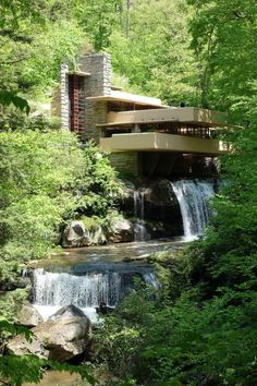 Fallingwater or Kaufmann Residence is a house designed by architect Frank Lloyd Wright in 1935 in rural southwestern Pennsylvania, 43 miles km) southeast of Pittsburgh. Architecture Durable, Sustainable Architecture, Landscape Architecture, Architecture Design, Natural Architecture, Zaha Hadid, Architecture Organique, Falling Water Frank Lloyd Wright, Falling Water House