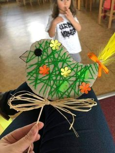 75 Fun and Inexpensive DIY Easter Crafts for Kids, Preschoolers and Toddlers Preschool Crafts, Fun Crafts, Diy And Crafts, Arts And Crafts, Paper Crafts, Easter Art, Easter Crafts For Kids, Summer Crafts, Easter Ideas