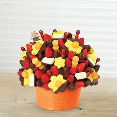 Berry Chocolate Bouquet® Dipped Pineapple combines fresh fruit and gourmet chocolate to redefine fruit. Order your Edible Arrangement® gift now. Edible Fruit Arrangements, Edible Bouquets, Flower Arrangements, Chocolate Dipped Bananas, Chocolate Covered Strawberries, Chocolate Wine, Fruit Basket Delivery, Fruit Gifts, Strawberry Dip