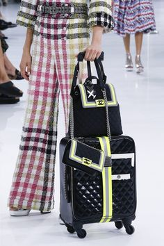 Coco Chanel, Chanel Boy Bag, Chanel Bags, Fashion Week, Runway Fashion, Fashion Show, Vogue Fashion, Paris Fashion, Fashion Beauty