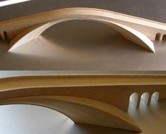 Ponte sul Corno d'Oro. Progetto per un ponte sul Bosforo di Leonardo da Vinci. Modello architettonico in legno realizzato in legno massello jeloutong alla scala 1:100. Museo Ideale Leonardo da Vinci. Olimpiadi di Atene.
