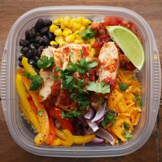 Chicken burrito bowls meal prep lunch 17 Healthy Grain Bowls You Should Make For Dinner Chicken Burrito Bowl, Chicken Burritos, Burrito Bowls, Fajita Bowls, Salsa Chicken, Mexican Chicken, Fajita Bowl Recipe, Burrito Bowl Meal Prep, Chicken Rice Bowls