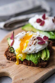 Heard Of The Skittles Manicure? Blomme, Vegetarian Recipes, Brunch, Eggs, Snacks, Breakfast, Food, Art, Morning Coffee