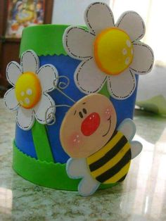 Recycle Aluminum Cans and Make Beautiful Decorated Organizers Kids Crafts, Bee Crafts, Preschool Crafts, Diy And Crafts, Arts And Crafts, Foam Sheet Crafts, Foam Crafts, Paper Crafts, School Decorations