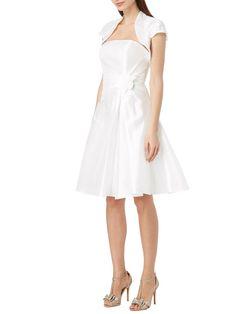 Brautkleid mit Blüten-Applikationen und Bolero