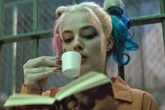 The exact moment 'Suicide Squad' fails Harley Quinn is in the new trailer Not a surprise, but a disappointment.  Read more at http://www.hitfix.com/harpy/the-exact-moment-suicide-squad-fails-harley-quinn-is-in-the-new-trailer#dgAFHK4W6uEjrhXC.99