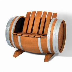 Made from an oak barrel, this original armchair is perfect for putting in your garden, wine cellar or rural restaurants.
