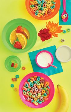 Day Brighteners, Electric Savings - Enjoy electric savings on day brighteners. Each only $12: Refrigerator Pitcher, Large Bell Tumblers with Seals, and Tupperware® Classic Cereal Bowls.