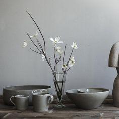 Glossy, asymmetrical, gray