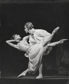 Antoinette Sibley and Anthony Dowell : Manon and Des Grieux in 1974