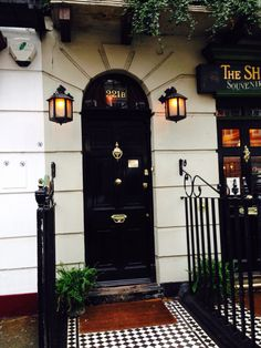 The consulting detective house