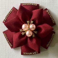 Felt Flower Bouquet, Fabric Flower Brooch, Kanzashi Flowers, Felt Flowers, Fabric Flowers, Hair Ribbons, Diy Hair Bows, Making Hair Bows, Bow Hair Clips