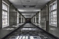 victorian lunatic asylums | This Creepy Victorian-Era Insane Asylum Was Still Being Used Up Until ...